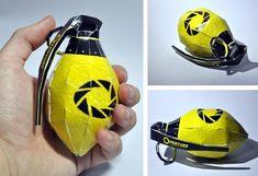 1//6th Scale TUS 2 x Lemon Gernades