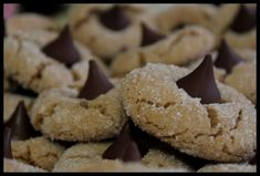 This was always one of my daughter's favorite cookies. Peanut butter and chocolate combined together. Peanut Butter Kiss, Peanut Blossoms, Kisses, Cookies, Chocolate, Desserts, Recipes, Food, Crack Crackers