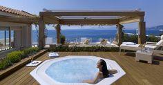 jacuzzi tubs DECKS | Romantic Outdoor Round White Jacuzzi Hot Tub at Hotel du Cap-Eden-Roc ...
