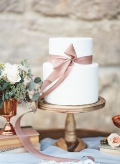 A Monet-Inspired Colored Palette + Vintage Details Bring the South of France to Southern California Wedding Sweets, Elegant Wedding Cakes, Beautiful Wedding Cakes, Rustic Wedding, Wedding Trends, Wedding Designs, Wedding Ideas, California Wedding, Vista California