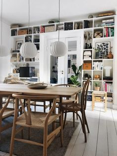 61 trendy home library scandinavian bookshelves Scandinavian Bookshelves, Home Office Design, House Design, Scandinavian Interior Design, Built In Shelves, Trendy Home, Home Decor Accessories, Cheap Home Decor, Home And Living