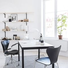 FRITZ HANSEN: We love @ sarahwidman1's take on a light home office. Share your home office at ... http://www.davincilifestyle.com/fritz-hansen-we-love-sarahwidman1s-take-on-a-light-home-office-share-your-home-office-at/ We love @ sarahwidman1's take on a light home office. Share your home office at #fritzhansen # 프리츠 한센 # एक लाग [ACCESS FRITZ HANSEN BRAND INFORMATION AND CATALOGUES] #FRITZHANSEN FRITZHANSEN Da Vinci Lifestyle