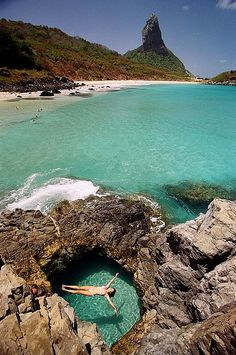 Buraco do Galego Fernando de Noronha! Buraco do Galego Fernando de Noronha! Places Around The World, The Places Youll Go, Places To See, Brazil Vacation, Vacation Spots, Places To Travel, Travel Destinations, Photos Voyages, Dream Vacations