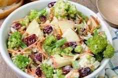 Salade de brocoli et pommes...parfaite pour le temps des Fêtes
