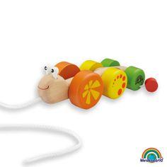 Wonder snail - Este simpático caracol atrae a los niños con sus colores brillantes y un gracioso movimiento. Al empujarlo, el caracol hará sonido y ayudará al desarrollo auditivo del niño. La colita puede cambiar de posición y así cambiar de aspecto. Haz click en el siguiente enlace para ver más información: http://www.andreutoys.com/?busq1=12&id=603&Pag=1
