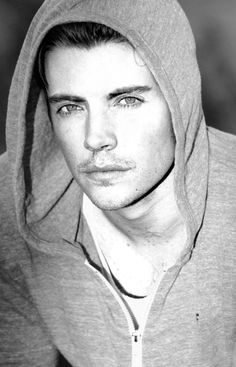 Josh Henderson....this is a beautiful man!