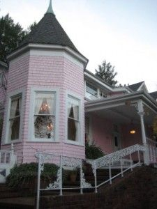 The Pink Mansion Calistoga If You Are Going To Visit Wine Country Stay