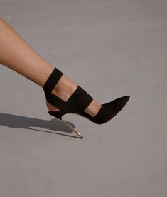 Shared by Carla Bonita Fab Shoes, Pretty Shoes, Crazy Shoes, Beautiful Shoes, Cute Shoes, Me Too Shoes, Shoes Heels, Only Shoes, Killer Heels
