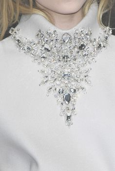 Crystal collar detail - white dress close up; sparkly embellished fashion details // Gianfranco Ferre