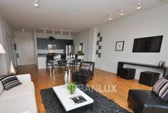 Must See West Loop 2 bed, steps from River North!