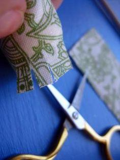 Cutting a fabric fringe