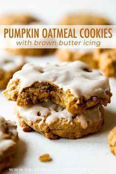 Massively flavorful and simple brown butter pumpkin oatmeal cookies with icing on top Recipe on Köstliche Desserts, Delicious Desserts, Yummy Food, Healthy Food, Healthy Life, Pumpkin Oatmeal Cookies, Pumpkin Dessert, Healthy Pumpkin Cookies, Pumpkin Bars