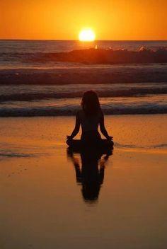 The thought 'I am meditating' is an ego thought. If real meditation is takin&; The thought 'I am meditating' is an ego thought. If real meditation is takin&; Angelina entspannen The thought 'I […] photography sunset Photo Voyage, Poses Photo, Yoga Photography, Sunrise Photography, Sea Waves, Yoga Meditation, Meditation Pictures, Yin Yoga, Kundalini Yoga