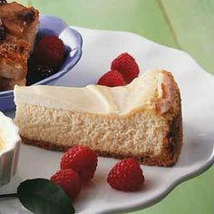 New York-style cheesecake uses sour cream to create a dense and creamy filling. Then sour cream is combined with a little sugar and vanilla and spread on top of the cheesecake to give it an extra tang.