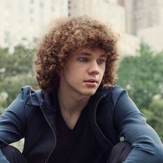 Francesco Yates is a pop music singer, songwriter, and musician from Toronto, Ontario. He is 18 years old. Francesco has been interested in music since he was really young, and he wrote his first song when he was just 11 years old! He learned to play piano and guitar at music camp. Francesco is recording his first album, and he is working with Pharrell Williams to write and produce his songs. Francesco released his first single 'Call' in 2014.