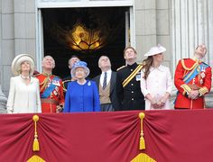 Kate Middleton - Catherine, Duchess of Cambridge and Prince William, Duke of Cambridge, Princess Eugenie and Princess Beatrice stand on the balcony during the annual 'Trooping the Colour' ceremony at Buckingham Palace in London