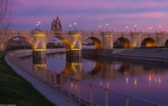 Puente de Toledo Dream Vacations, Vacation Spots, Beautiful World, Beautiful Places, Foto Madrid, Skyline, Basque Country, Spain Travel, So Little Time