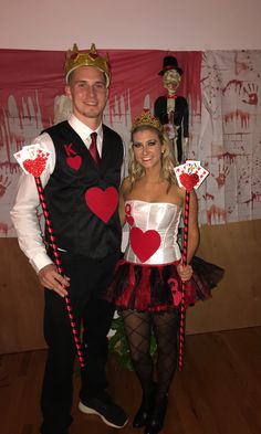 Set major this Halloween with the best DIY Couples Halloween Costumes. Try these Easy DIY Halloween Costumes for Couples with your partner. King Of Hearts Costume, King And Queen Costume, Queen Of Hearts Halloween Costume, King Costume, Most Creative Halloween Costumes, Halloween Costumes For Girls, Couple Halloween, Costumes For Women, Meme Costume
