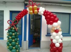 Christmas Arch, Christmas Parade Floats, Christmas Balloons, Christmas Design, Christmas Crafts, Ballon Decorations, Balloon Centerpieces, Xmas Decorations, Balloon Columns