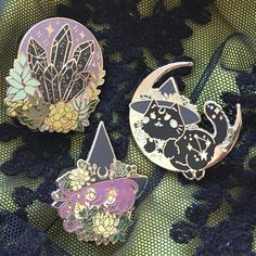 Apologies for not posting for so long! I wanted to share my newest enamel pins with you, Halloween Series🎃🎃🎃 Crystal Ball, Witchy Kitty, and Garden Witch silver pins for you. Jacket Pins, Cool Pins, Hard Enamel Pin, Metal Pins, Pin And Patches, Hat Pins, Pin Badges, Lapel Pins, Pin Collection