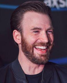 Chris Evans ♡ Christopher Evans, Robert Evans, Chris Evans Captain America, Steve Rogers, Hollywood Actor, Beard Styles, Short Film, Actors & Actresses, Beautiful Men
