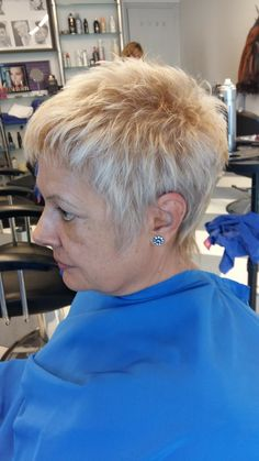 Short,easy and 2 the point. - Short,easy and 2 the point. Short Choppy Hair, Short Grey Hair, Short Hair Older Women, Short Hair With Layers, Short Hairstyles For Thick Hair, Mom Hairstyles, Short Pixie Haircuts, Short Hair Styles, Crop Hair