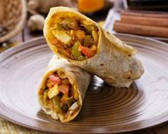 Light Spicy Indian Turkey Wraps - Diet and Nutrition Turkey Recipes, Snack Recipes, Diet Recipes, Healthy Recipes, Healthy Meals, Chicken Recipes, Quesadillas, Tandoori Paneer, Turkey Wraps