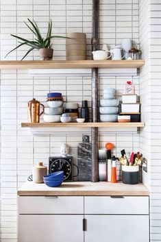 cool kitchen cabinets, accessories, and subway tile