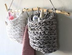 Ideen zum Stricken & Häkeln mit Textilgarn - Dekorationen aus Textilo Stripes und NewLines ähnliche tolle Projekte und Ideen wie im Bild vorgestellt findest du auch in unserem Magazin