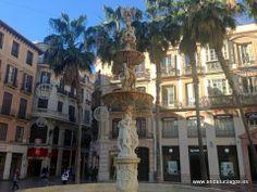 """#Málaga - Plaza de la Constitución - 36º 43' 16"""" -4º 25' 20"""" / 36.721111, -4.422222  El barrio de Centro Histórico ocupa el casco antiguo de la ciudad, aproximadamente el área que antaño quedaba dentro del perímetro de las murallas defensivas nazaríes."""