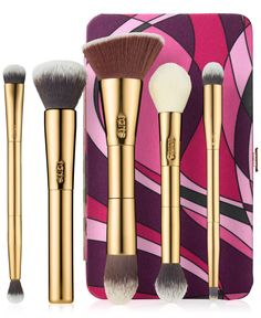 A collection of five full size tarteist brushes and portable magnetic palette. What the product does: Be your own tarteist with these essential tools of the trade, including five vegan friendly, full