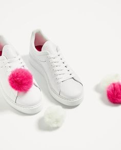 LEATHER POMPOMS SNEAKERS - Available in more colours