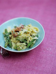tagliatelle with asparagus, crispy pancetta & parmesan | Jamie Oliver | Food | Jamie Oliver (UK)