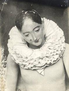 Mannequin d'atelier en bois avec une collerette, 1890 - 1910  (François Brunery)