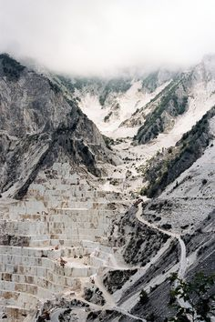 Deconstruction, Virginie Khateeb - carrara marble mountain in natural state