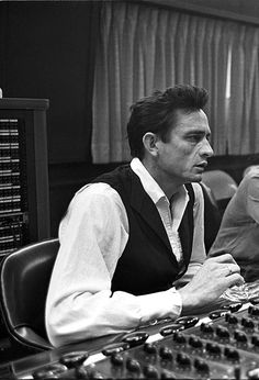 Johnny Cash in the studio, 1965 Johnny Cash June Carter, Johnny And June, Country Music Singers, Country Artists, Arkansas, Good Music, My Music, Rockabilly, Americana Music