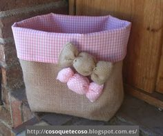 Making storage bins with the help of up-cycle cardboard boxes on your own will be a great fun activity as well as it provides you great utility function. Burlap Crafts, Fabric Crafts, Sewing Crafts, Diy And Crafts, Sewing Projects, Diy Projects, Cardboard Storage, Diy Storage, Storage Bins