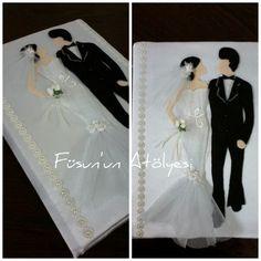 Düğün anı defteri Wedding Album Books, Paper Flowers, Henna, Wedding Decorations, Wedding Day, Wedding Dresses, Cards, Valentines Day Weddings, Feltro