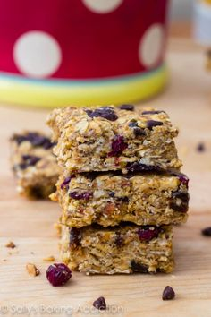 Peanut Butter Trail Mix Bars. - Sallys Baking Addiction