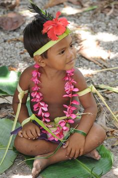Federated States of Micronesia - Yap State - Fais outer island - Men`s sitting dance - young boy practising   In Micronesia, both men and women perform traditional dances while sitting or standing