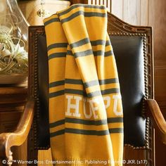 Bring the magic of Hogwarts into your room with Pottery Barn Teen's Harry Potter bedding, and home decor. Shop the Harry Potter Collection for bedding, decor, room accessories and more. Harry Potter Knit, Harry Potter Bedroom, Harry Potter Gifts, Harry Potter Outfits, Hufflepuff Bedroom, Hufflepuff Pride, Ravenclaw, Harry Potter Aesthetic, Harry Potter Wallpaper