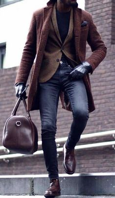 Pierpaolo Piccioli' tells me the whole lot I want throughout this look interval within the Valen Mens Boots Fashion, Mens Fashion Suits, Men's Fashion, Fashion Wallet, Fashion Poses, Gold Fashion, Fashion Ideas, Winter Outfits Men, Stylish Mens Outfits