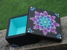 Punto arte Mandala flor pintado trullo púrpura oro colección