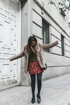Party Look: How you can dress up for New Year's Eve! - Born of web Outfits Otoño, Fashion Outfits, Loafers Outfit, New Years Eve Dresses, Outfit Invierno, Collage Vintage, Autumn Street Style, Boho Skirts, Autumn Winter Fashion