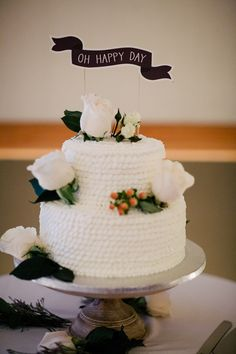 white ruffle cake | Michelle Kristine Photography