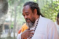 Mooji Photography Team is happy to share with you the photos of the most beautiful moments shared in satsang with our beloved Master Sri Mooji. Om Shanti Om, Spiritual Path, Beautiful Moments, Spirituality, In This Moment, Photography, Gallery, Fotografia, Fotografie