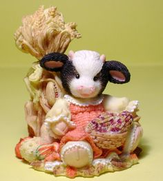 Amazon.com: Mary's Moo Moos 1995 Cows In The Corn 142840: Home & Kitchen Cow Kitchen, Country Kitchen, Cow Ornaments, Kimberly Ann, Cow Parade, Cow Decor, Cattle Farming, Monster Mash, Cow Print