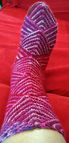 Peppermintoes Socks free pattern by Melody Johnson
