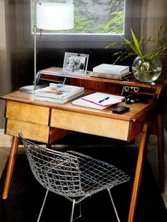 Mayo [] The best of spanish AD. May edition. Cute Desk Chair, Cheap Chairs, Lounge Chair Design, Simple Interior, Design Blogs, Interior Decorating, Interior Design, Decoration, Office Decor