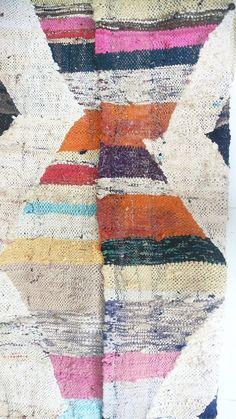 Vintage Moroccan Kilim BOUCHEROUITE Rug color por lacasadecoto